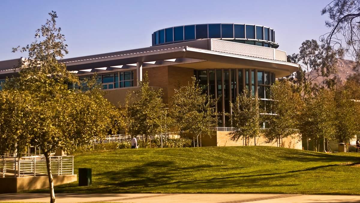 加利福尼亞大學河濱分校
